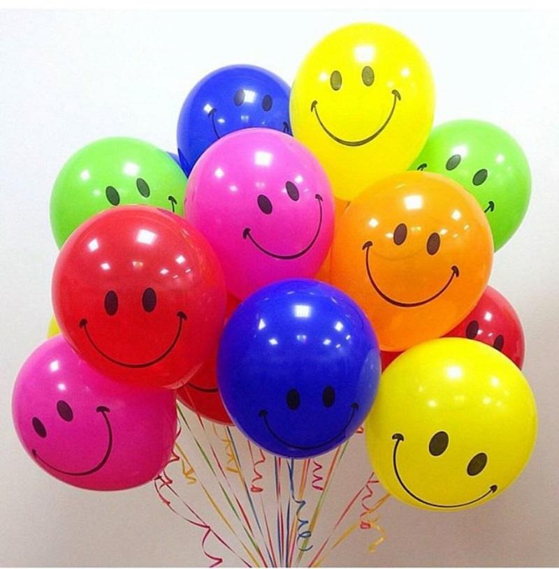 Поздравление цветными шариками 2